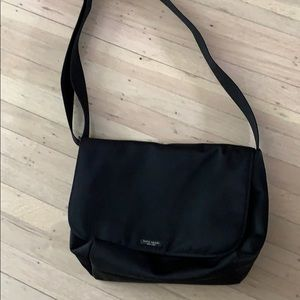 Cute Kate Spade messenger bag in black